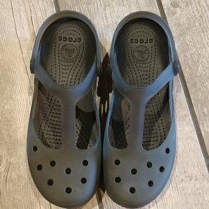 Women's sz8 Crocs gray, MaryJane's gently used
